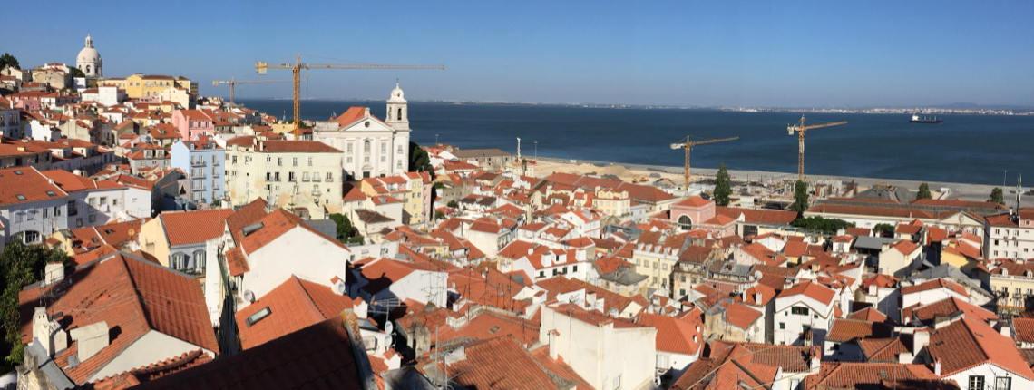 Miradouro de Santo Estevão - Edifício para reabilitação e arrendamento curta duração. Em desenvolvimento, bairro da Alfama, Lisboa - Portugal